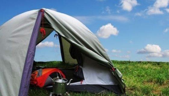 Camping in Zelten